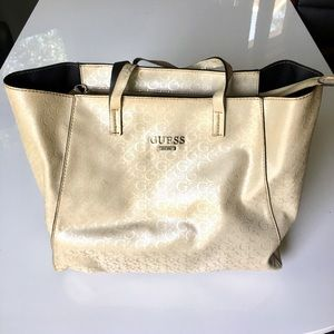 GUESS tote Perfect for the Beach!